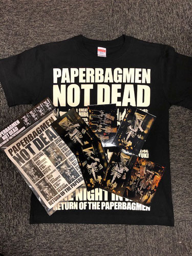 画像1: 『PAPERBAGMAN NOT DEAD』T-SHIRT SPECIAL PACKAGE(生写真6枚付き) (1)
